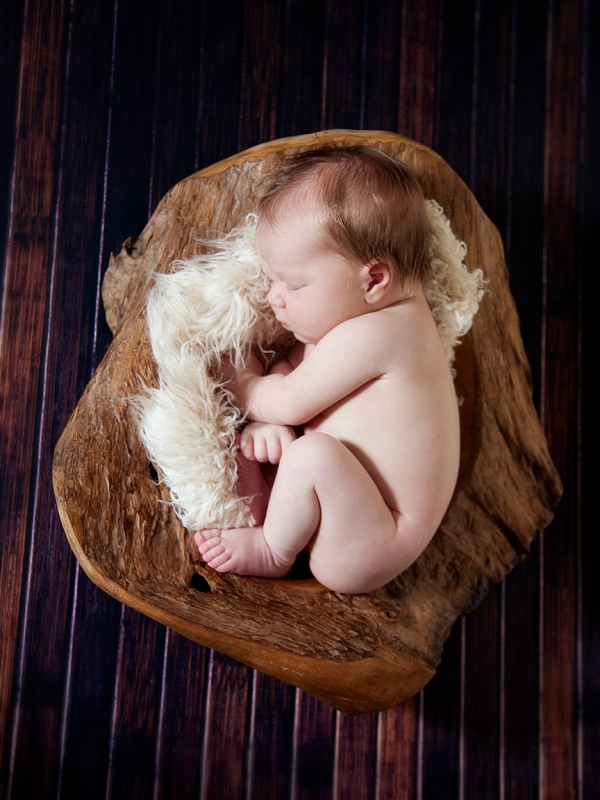 newborn-in-bowl-2
